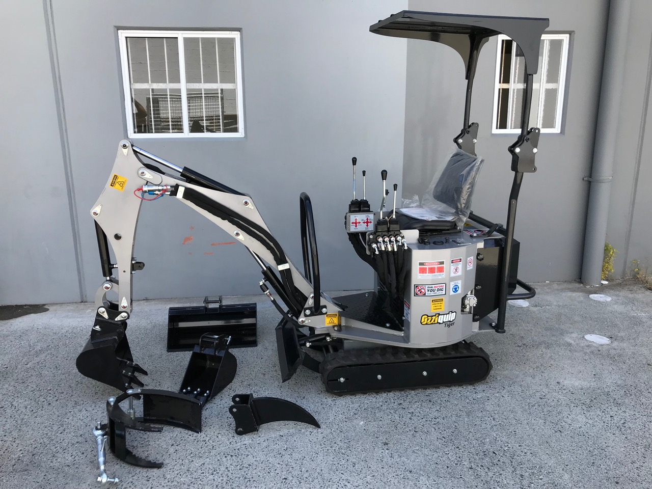 Ozziquip Tiger Mk2 Mini Excavator Machinery Direct