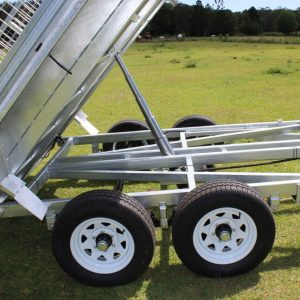 10x6 Galvanised Hydraulic Tipping Trailer full tip close up.