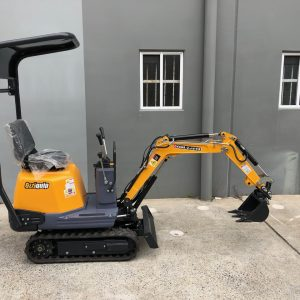 Ozziquip 700D Micro Excavator Yanmar Diesel with Offset Boom side view of full machine.