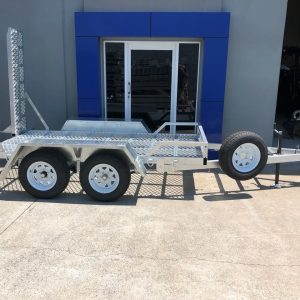 10x5 Plant Trailer 2000 kg side view in front of Machinery Direct headquarters.