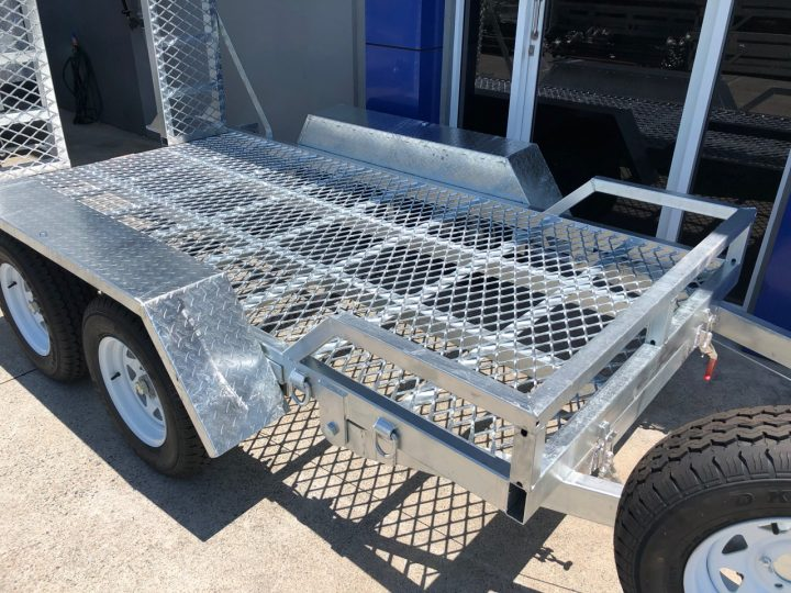 10x5 Plant Trailer 2000 kg side view.