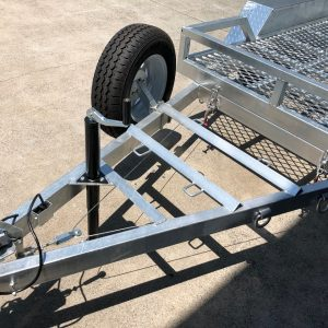 10x5 Plant Trailer 2000 kg spare wheel and connection mechanism.